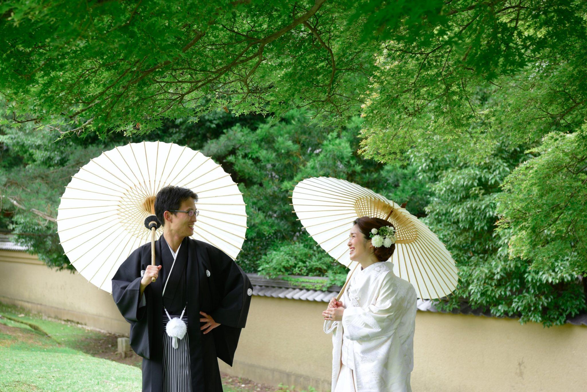 白無垢綿帽子と色打掛け和装で結婚式の前撮り
