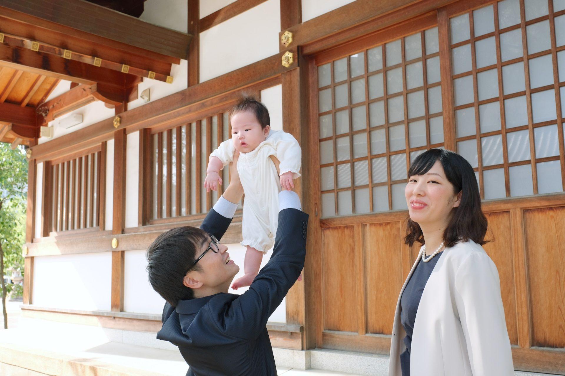 本住吉神社でお宮参りと木曽路でのお食い初めの写真