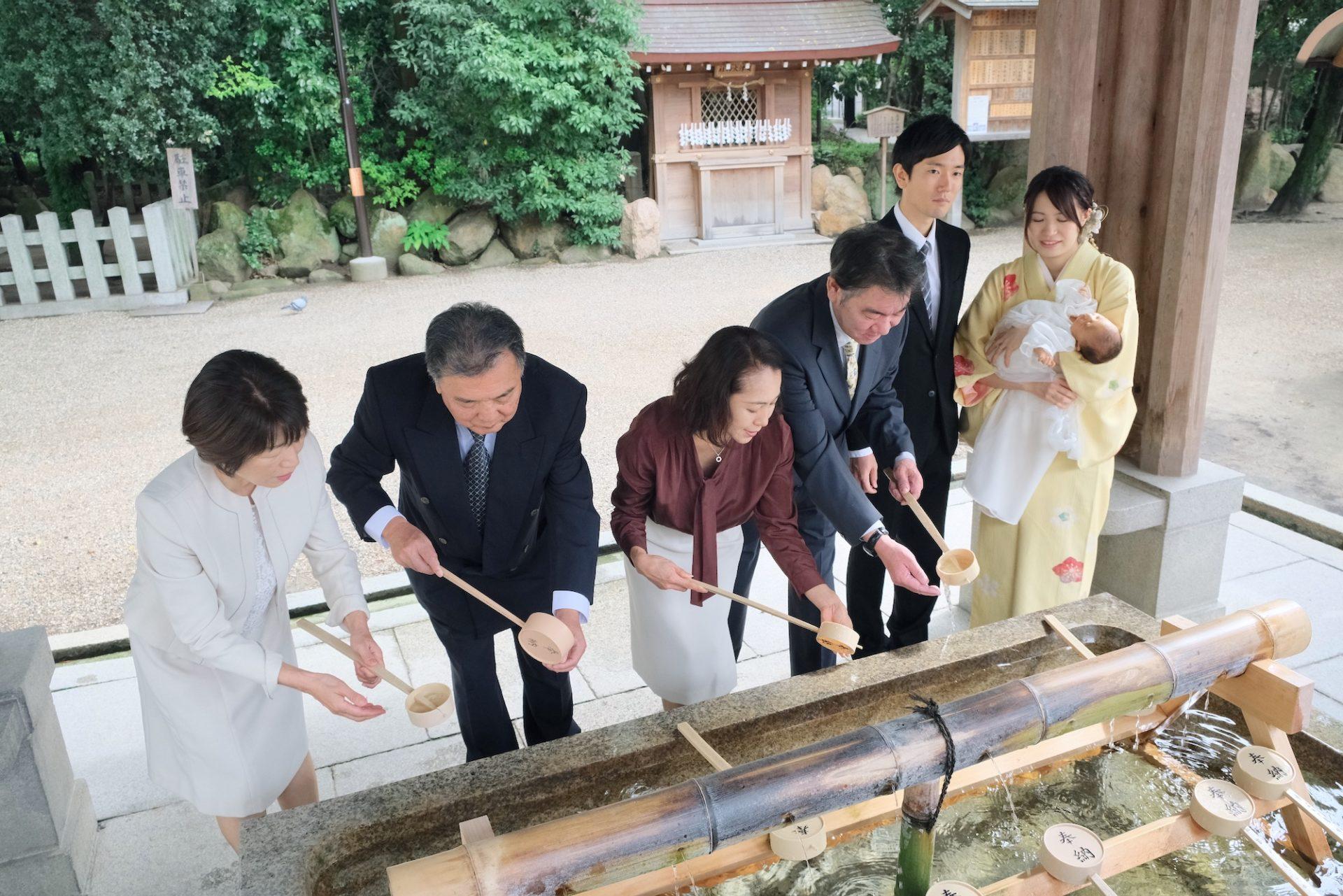 西宮神社でお宮参りの写真