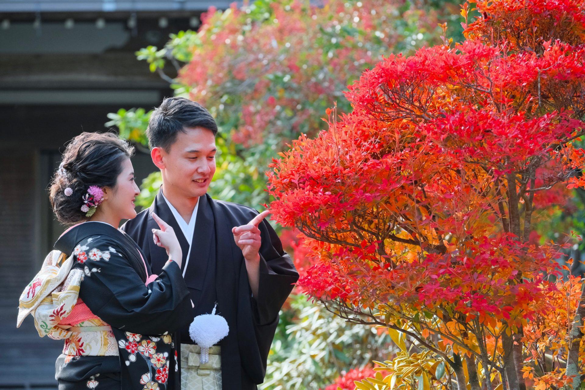 紅葉の結婚式の和装前撮り