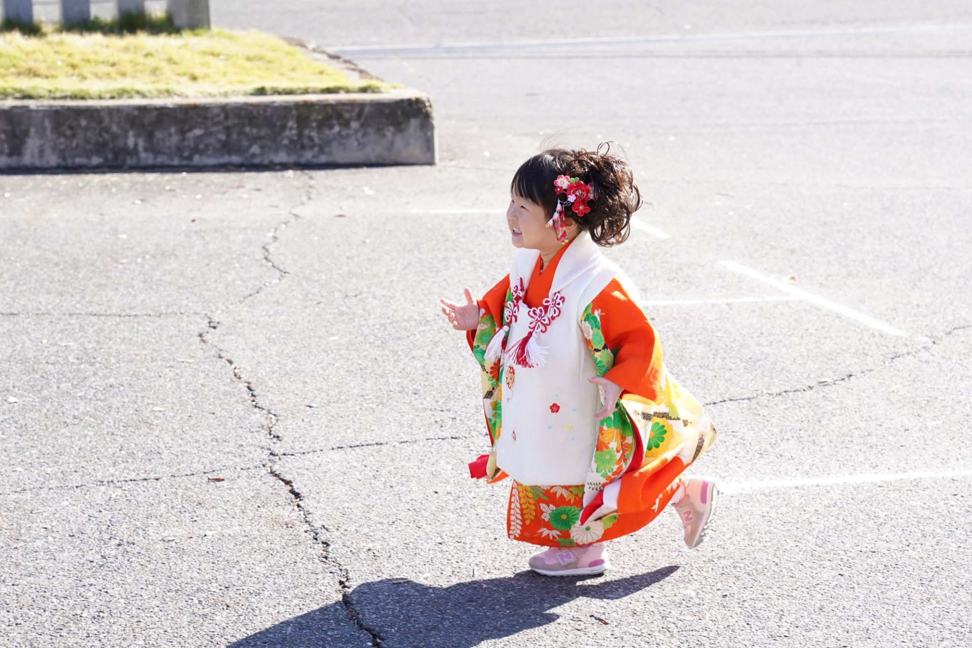 龍田大社で女の子の着物で七五三の写真