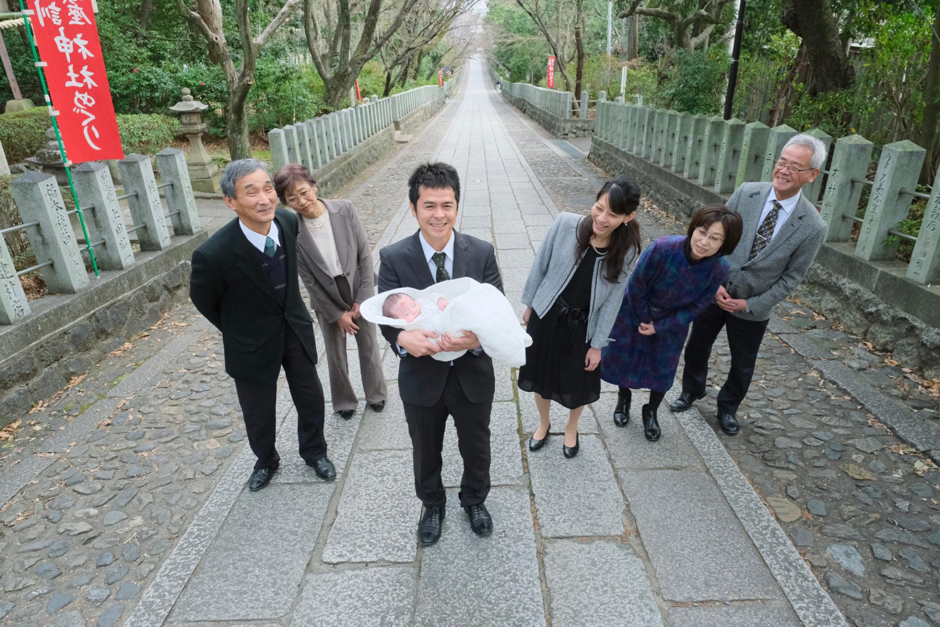 向日神社でのお宮参り写真