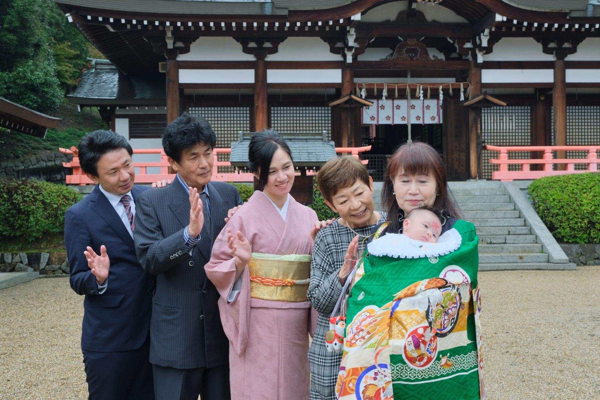 岡田國神社でのお宮参りの写真