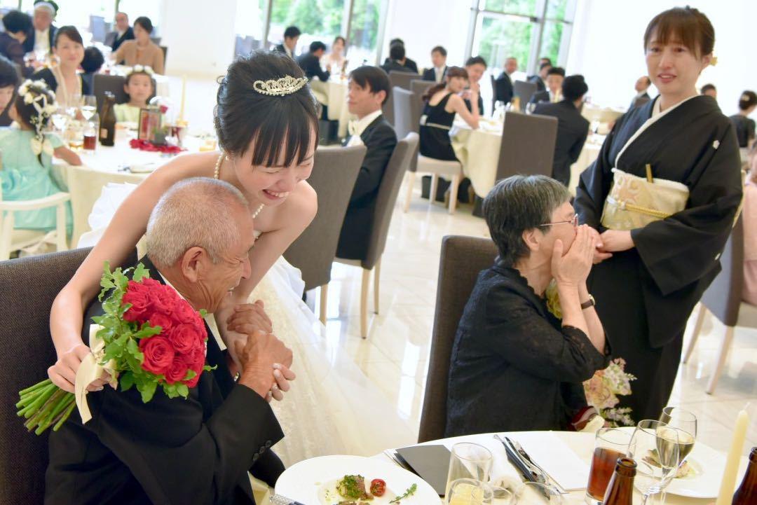 結婚式のドレス写真