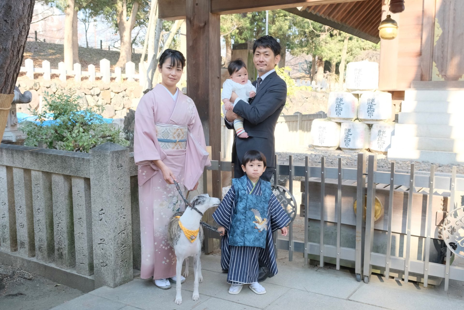 茨木神社でお宮参りと七五三の写真